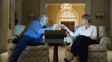 House of Cards: Θα συνεχιστεί κανονικά η σειρά το 2018