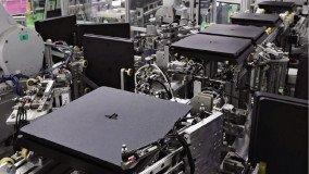 Σε μόλις 30 δευτερόλεπτα συναρμολογείται ένα PS4 στο εργοστάσιο