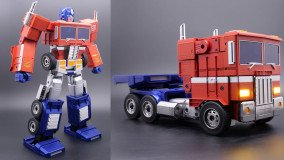 H Hasbro αποκάλυψε το Optimus Prime Self-Transforming Robot που αλλάζει μορφή μόνο του
