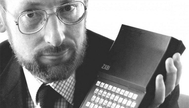 Έφυγε από τη ζωή ο δημιουργός του ZX Spectrum, Sir Clive Sinclair