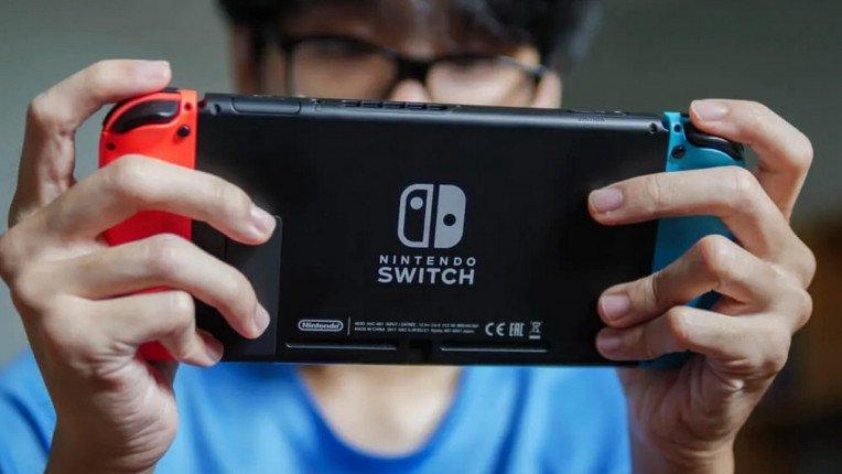 Nintendo Switch Console 01 764 430
